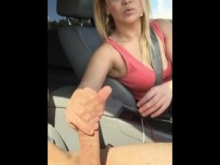 Dickflash! Milf gives me risky handjob at a public park!