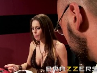 BRAZZERS - Rachel RoXXX gets two holed in : The Customer is Always Fucked