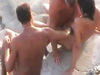 Cuckold Hubby Lets Stanger Fuck His Wife