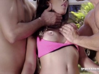 Milf Noemi Hasa Threeway With Two Hard Cocks Outside