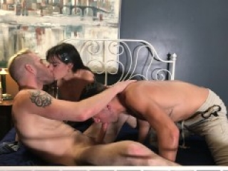 Holly Beth's FIRST Bisexual MMF Threesome with Dante Colle