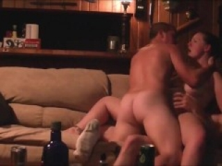 Amateur MMF double penetration threesome
